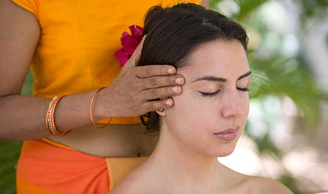 Ayurveda behandling vid Surya Lanka Ayurveda Retreat